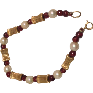 1970s Beaded nothing Bracelet with 14 Karat Gold Beads,Cultured  Pearl and Garnet