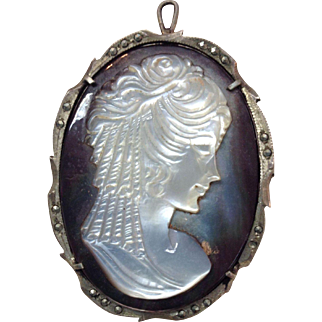 Beautiful vintage 800 silver abalone shell cameo pin pendant with marcasite