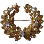 Stunning vintage D& E Juliana wreath  shaped 3d pin yellow and clear stones