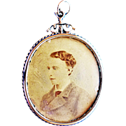 Victorian Mourning Pendant With Hair