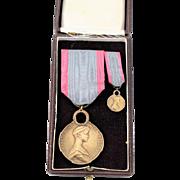 Belgium Queen Elizabeth WWI Humanitarian Bronze Medal