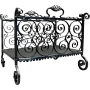 Antique Yellin School Arts & Crafts Wrought Iron Log Cradle, circa 1920