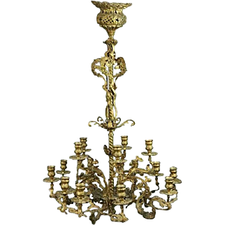 French Rococo Gilt Bronze Fifteen-Light Candelabra Chandelier, circa 1860