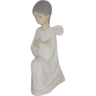 """Vintage LLadro NAO Kneeling """"Angel with Crossed Arms"""", 5"""" tall, Mint Condition"""