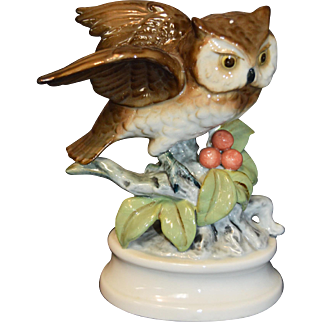 """Vintage Napcoware Napco Porcelain Owl on a Holly Branch """"294"""" on Bottom 6"""" Tall"""