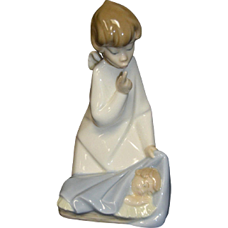 """Lladro #4635 """"Angel with Baby"""" Watching Over Sleeping Child Retired"""