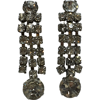 Unsigned Clear Rhinestone Dangle Clip On Earrings