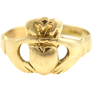 Antique 9ct Gold Claddagh Ring - c1897
