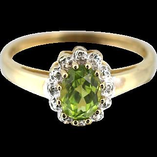Pretty Vintage 9ct Gold Peridot & Diamond Cluster Ring