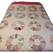 50's Hand Sewn Quilt Dresden Plate Full Size 82 x 86