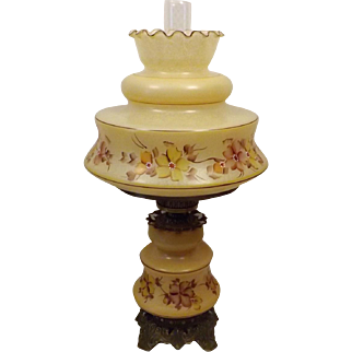 Vintage Quoizel Gone With The Wind Hurricane Table Lamp