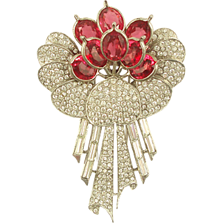 PENNINO Floral Bouquet Fur Clip with Pink Pointed Petals