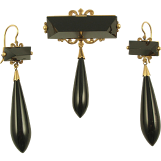 VICTORIAN 14 Karat Gold and Onyx Mourning Brooch and Earrings