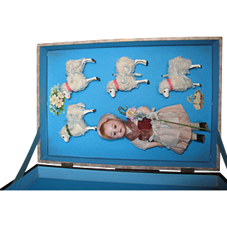 Wonderful antique original box with four sheep and little sheepherdess