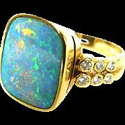 Ring with Australian opal, diamonds, 18K gold.