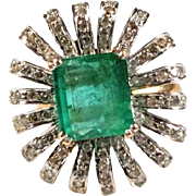 Gold Ring with Emerald - Flower Shape.