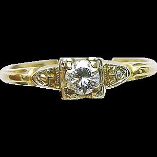 Vintage 14k yellow Gold & .20 round center Diamond Ladies Engagement Ring 1940's