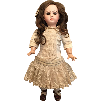 Mesmerizing Size 8 Tete Jumeau w/ Closed Mouth and Haunting Eyes
