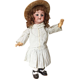 """Enchanting & Rare Simon & Halbig 1269 German Bisque Character Doll in Petite 10"""" Size"""