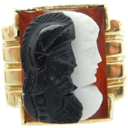 Vintage 14K Yellow Gold Red Coral, White & Black Onyx Mens Pinky Ring Sz 6.25