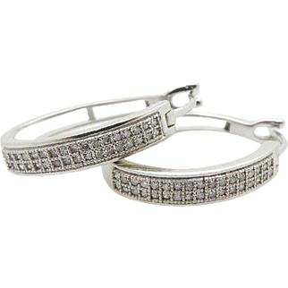 10K White Gold 0.20cttw H-SI Round Diamond Hoop Earrings.