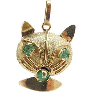 Solid Vintage 14K Yellow Gold Round Green Natural Emerald Cat Dangle Pendant