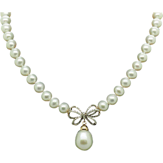 """14K Yellow Gold 0.25ctw Round Natural Diamond Dangle Bow-Tie Pearl Necklace-17"""""""