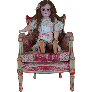 Outstanding and rare DEP Jumeau Perfect condition with her original box size 8