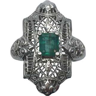 Vintage  Art Deco 14 Karat Gold Filigree Emerald Ring Ca.1920's