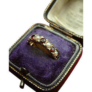 Retro c.1950 9k Gold Eternity Band with Garnets and Pearls