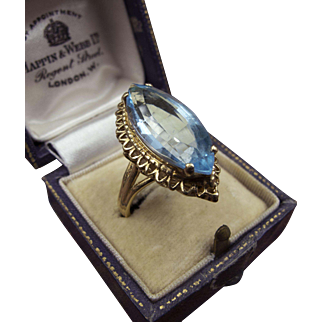 Extraordinary Antique Marquise-Cut Aquamarine Ring in 14K Gold with Openwork