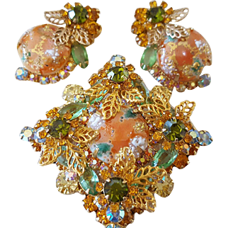 Juliana Coral (Faux) Gold (Tone) Splattered Brooch and Earrings circa 1960's with Book References