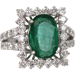 Oval Emerald Diamond and 18k White Gold Cocktail Ring 5.80 TCW