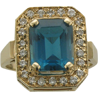 14K Blue Spinel and Diamond Fashion Ring