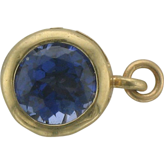 Natural Blue Sapphire and Yellow Gold Pendant