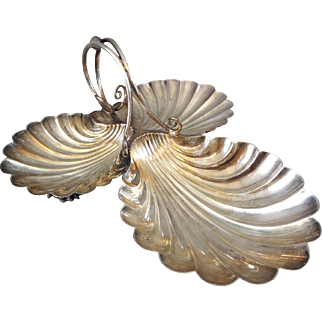 Antique Victorian Elkington & Co Silverplate Three Shell Candy / Nut Dish Circa 1899 - 0415