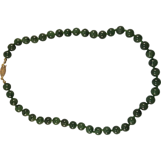 "16"" Chinese Natural Spinach Green Nephite Jade Hand-Knotted Necklace c1920"