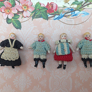 Charming Set of 4 Tiny  Carl Horn dolls in All Original condition. Governess and three children. So Sweet!!