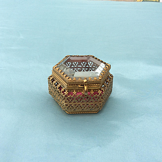 Wonderful miniature Antique French Vitrine, Trinket box for your Fashion Doll Display. Excellent original condition!
