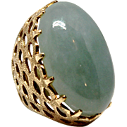 Lady's Jade Ring Green Cocktail 14k Yellow Gold Vintage
