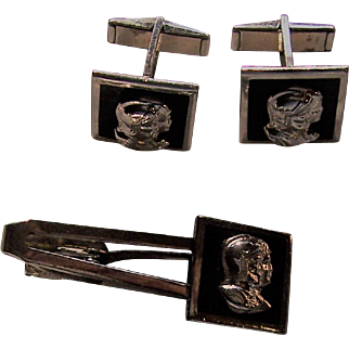 Cufflinks and Tie Bar set with Trojan Head made by Pioneer