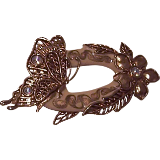 Vintage Beautiful Brooch with Butterfly and Flower in Gold Tone