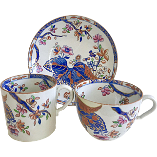 Antique Spode tea and coffee cup trio, Cabbage patt 2061 on stone china bute shape, 1813-1822