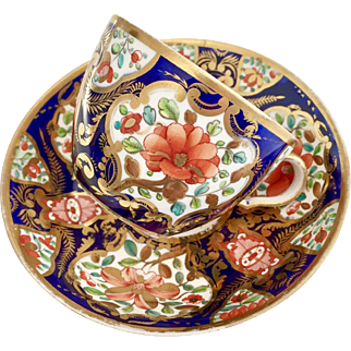 Antique Spode teacup, bute shape cobalt blue with flower panels, 1800-1815