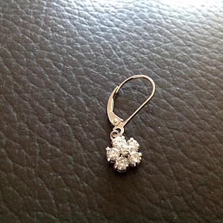 On sale today $450 Vintage Diamond daisy earrings in 14K