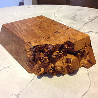 Michael Elkan burl box, pre studio days mark, beautiful condition