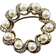 18kt Yellow Gold Kurt Wayne pearl and diamond circle pin
