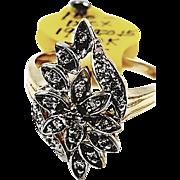 10kt Yellow Gold Flower Motif Diamond Ring