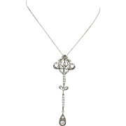 1910s Antique Edwardian Platinum 2ctw Diamond Filigree Flower Bow Necklace