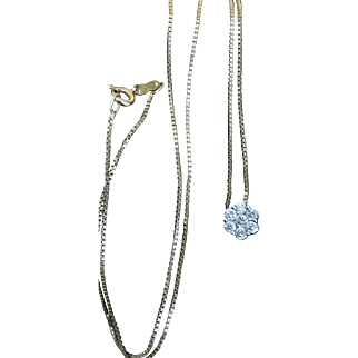 Stunning Vintage 14k Yellow & White Gold Diamond Cluster Flower Necklace